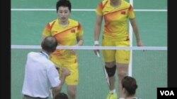 周二的奥运会羽毛球女子双打预赛(视频截图)