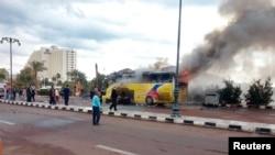 U eksploziji autobusa u letovalištu Taba stradale tri osobe.