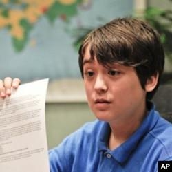 乔纳森.李2010年8月展示给金正日的信