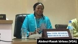 Fatou Bensouda, procureure générale de la CPI, à Niamey, le 25 avril 2017. (VOA/Abdoul-Razak Idrissa)