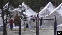 2.500 Σύροι διέσχισαν τα σύνορα με την Τουρκία