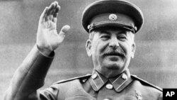 Diktator Jenderal Joseph Stalin memerintah Uni Soviet dari tahun 1929 sampai kematiannya pada tahun 1953.