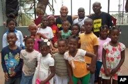 Crianças do Projecto Kudissanga Batuque