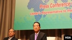 宋楚瑜赴APEC臨行前國際記者會(美國之音易林拍攝)