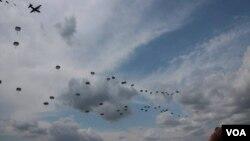 ამერიკელების დესანტირება Lockheed C-130 Hercules-დან ვაზიანში