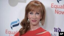 Kathy Griffin emitió un pedido de perdón por controversial fotografía anti Trump.