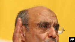 Hammadi Jebali, secretary-general of Ennahda, Tunisia's largest Islamic movement gestures (file photo).