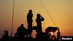 Ðơn vị pháo binh di động của Israel tại một vị trí ở phía Bắc Dải Gaza, ngày 20/11/2012.