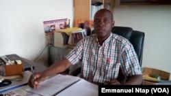 Jean-Pierre Mvodo Edjengue du Secrétariat national à l'enseignement privé laïc à Yaoundé, 17 août 2017. (VOA/Emmanuel Ntap)