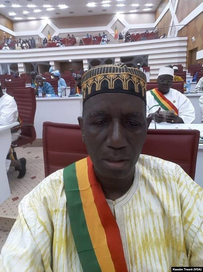 Honorable Mody Diallo, de l'opposition, à Bamako, Mali, le 4 juin 2017. (VOA/Kassim Traoré)