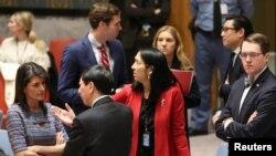 Nikki Haley (en bas a gauche) et ses homologues du Conseil de sécurité, New York, le 22 décembre 2017