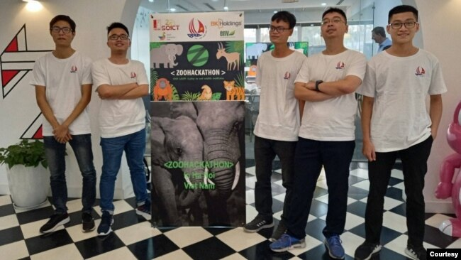 Các thành viên nhóm Zootopia của Đại học Bách Khoa Hà Nội.