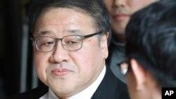 Ahn Jong-beom, Assessor detido