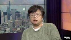 中国劳工观察执行主任李强接受美国之音采访 (美国之音方冰拍摄)