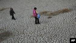 河南省一处干枯的水塘