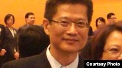 香港发展局局长陈茂波 (维基共享)