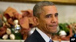 Presiden Barack Obama menjalani tes medis di sebuah rumah sakit militer di sekitar Washington setelah mengeluhkan nyeri kerongkongan dalam dua minggu ini.
