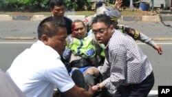 پس از بم گذاری های سال ٢٠٠٩ بر دو هوتل در جاکارتا، این نخستین حملۀ بزرگ گروهی در پایتخت اندونیزیا می باشد