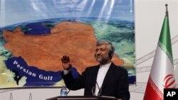 Kepala Perunding Iran, Saeed Jalili, berbicara kepada media usai pertemuan enam negara di Istanbul, Turki (14/4)