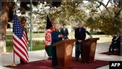 Sekretarja Klinton viziton Afganistanin dhe Pakistanin