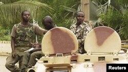 Tropas da junta militar maliana