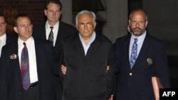 Direktor Međunarodnog monetarnog fonda Dominik Stros-Kan uhapšen je u subotu u Njujorku