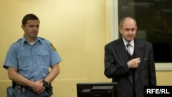 Zdravko Tolimir prije izricanja presude, Haag, 12. decembra 2012.