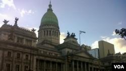 El Congreso de Argentina comienza a evaluar el proyecto de expropiación de la presidenta Cristina Fernández.