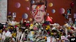 Les fans ont rendu hommage à leur idole David Bowie, Londres, le 14 janvier 2016.