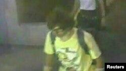 當局正追查現場電視監視系統中出現的可疑男子