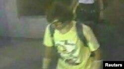 泰国警方公布了曼谷爆炸事件嫌疑人录像 (2015年8月18日)