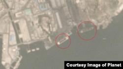 최근 북한 주요 석탄 수출항인 남포항을 촬영한 위성사진에 선박들의 활발한 움직임이 포착된 가운데, 16일 사진에도 또 다른 대형 선박 2척이 보인다. 사진 제공: 플래닛 랩스(Planet Labs).
