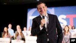 Ted Cruz candidat républicain tient un discous à san Diego, Californie.