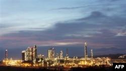 Nhà máy Lọc dầu Dung Quất tại tỉnh Quảng Ngãi, Việt Nam
