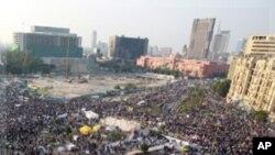 星期二在開羅解放廣場上反政府的示威抗議
