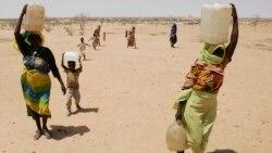 Une Tchadienne lance une initiative de distribution de seaux à robinet