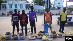 Vendedores ambulantes em Nampula