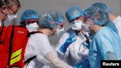 فرانس میں کرونا وائرس سے ہلاکتوں کی تعداد بڑھ رہی ہے۔