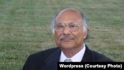 براڈکاسٹر اور صحافی اکمل علیمی، فائل فوٹو