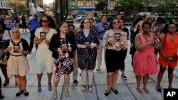 Người Mỹ tuần hành đánh dấu ngày Nhận thức về Bạo động Súng ống tại New York.