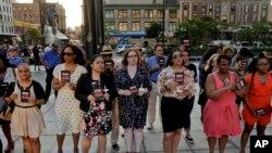 Người Mỹ tuần hành đánh dấu ngày Nhận thức về Bạo động Súng ống tại New York, ngày 1/6/2016.
