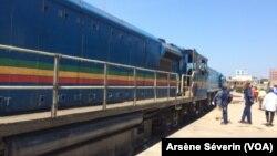 Arrivée du train à Brazzaville, au Congo, le 28 novembre 2018. (VOA/Arsène Séverin)