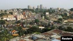 Vue sur la ville d'Abidjan, en Cote d'Ivoire, le 23 février 2017.