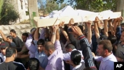 反阿薩德政權的示威者持續抗議。