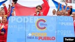 El presidente Nicolás Maduro invitó a la oposición a dialogar antes del domingo 30 de julio, cuando se realizará la elección de su combatida Asamblea Nacional Constituyente.