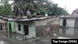 Inondations dans la commune de Limete à Kinshasa, le 4 janvier 2017. (VOA/TopCongo)