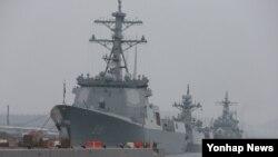 한국 해군의 첫 이지스함인 세종대왕함을 비롯한 함정들이 지난 16일 서귀포 제주해군기지에 입항해 있다. (자료사진)