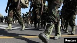 Les membres de la Brigade en attente de l'Afrique de l'Est de l'Ouganda.