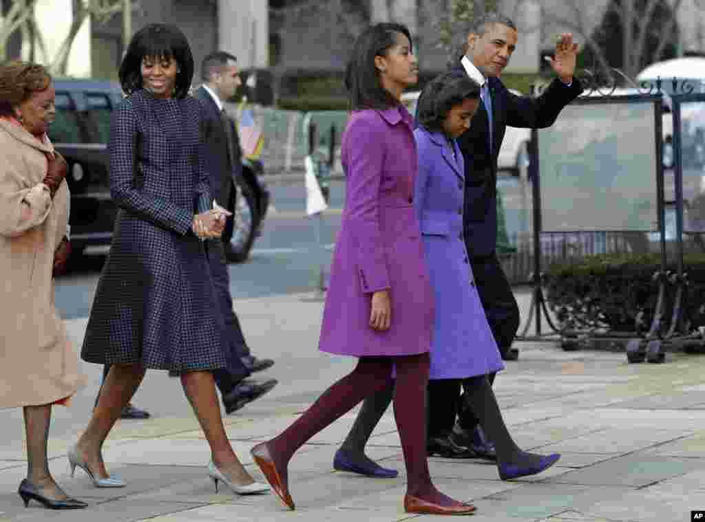 İnaqurasiyadan öncə Obamalar Ağ Ev yaxınlığındakı kilsəyə gedib