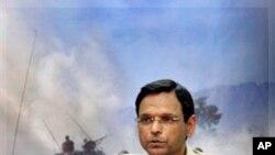 巴基斯坦军方发言人阿巴斯少将在一个记者会上(资料照片)